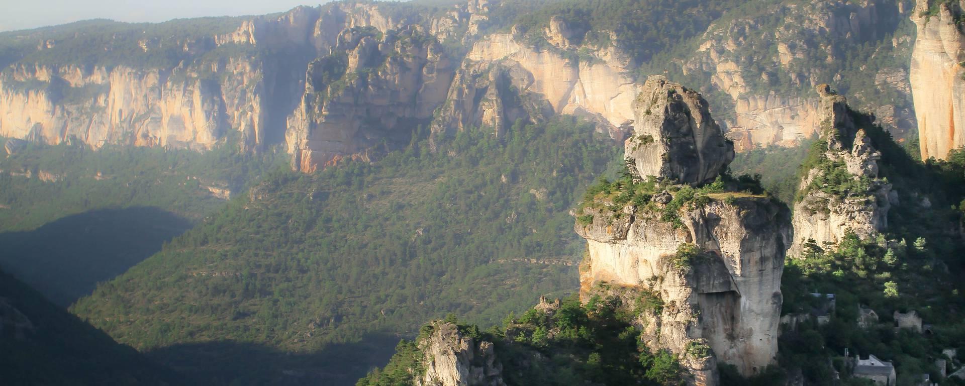 Rocher de Capluc, confluent des gorges de la Jonte et du Tarn