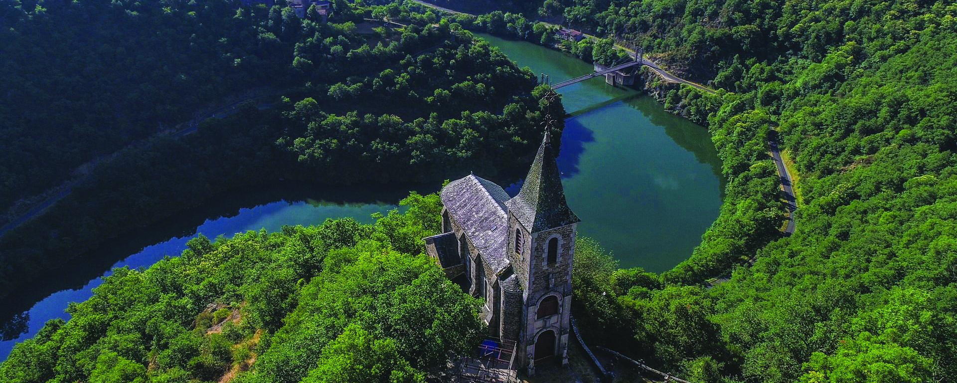 La Chapelle perchée de Notre Dame du Désert dans la vallée du Tarn