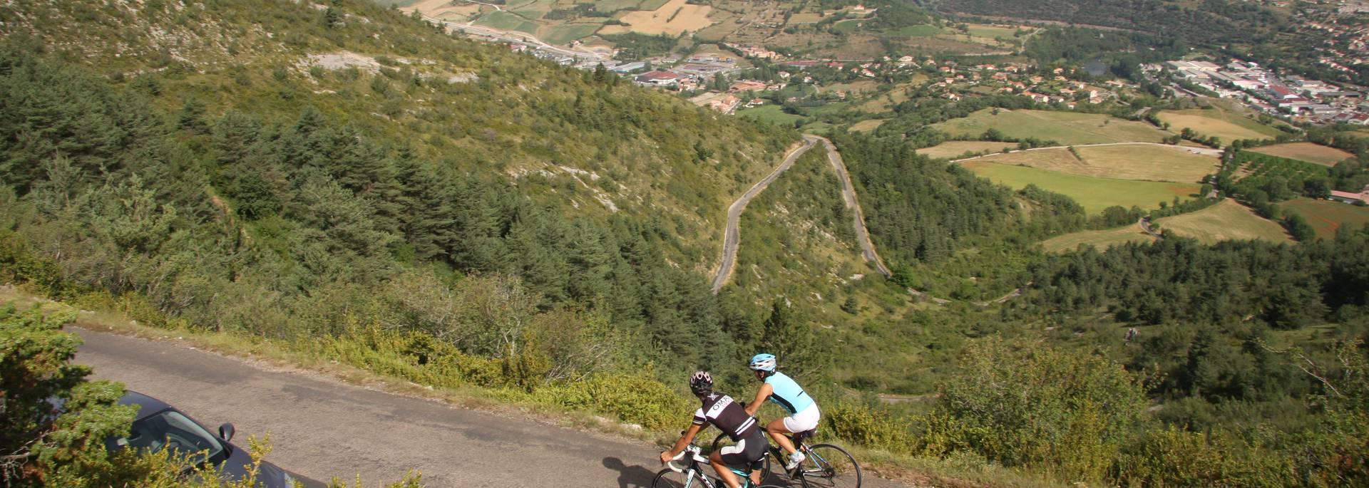 Des tracés cyclos et paysages sublimes autour de Millau
