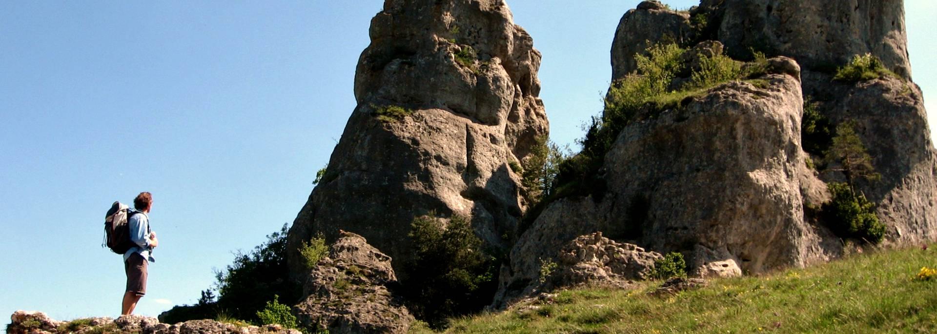 Chaos rocheux de Roquesaltes sur le Cause noir