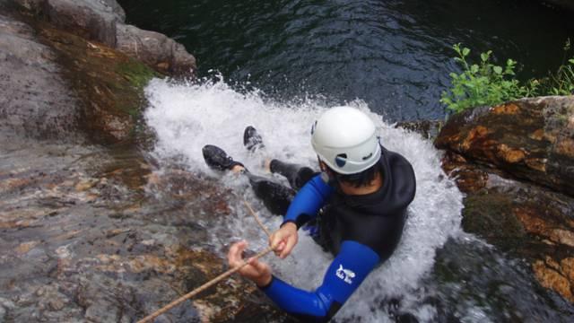 Si vous recherchez des sensations fortes : testez le canyoning