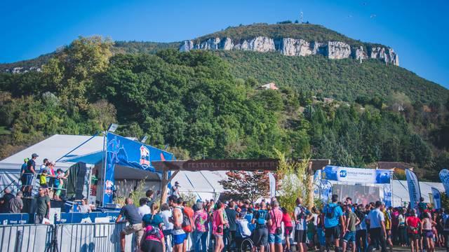 Point de départ et d'arrivée des Courses du Festival des Templiers.