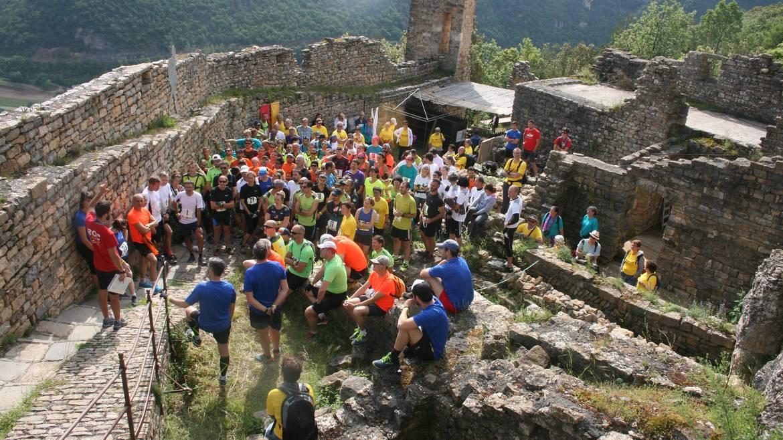 Vestiges d'une forteresse médiévale dominant les Gorges du Tarn