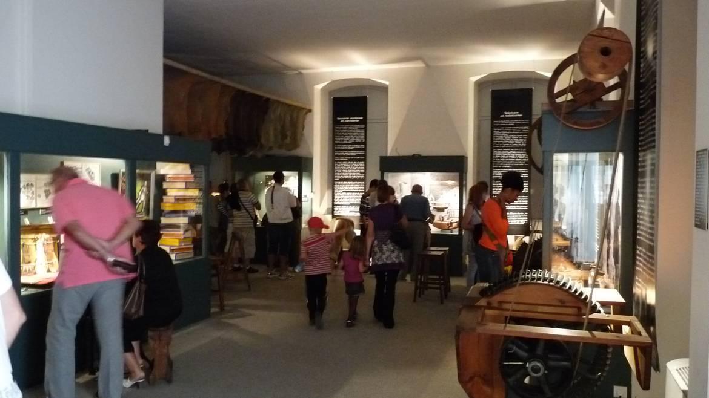 Le Musée de Millau : Section Mégisserie et Ganterie