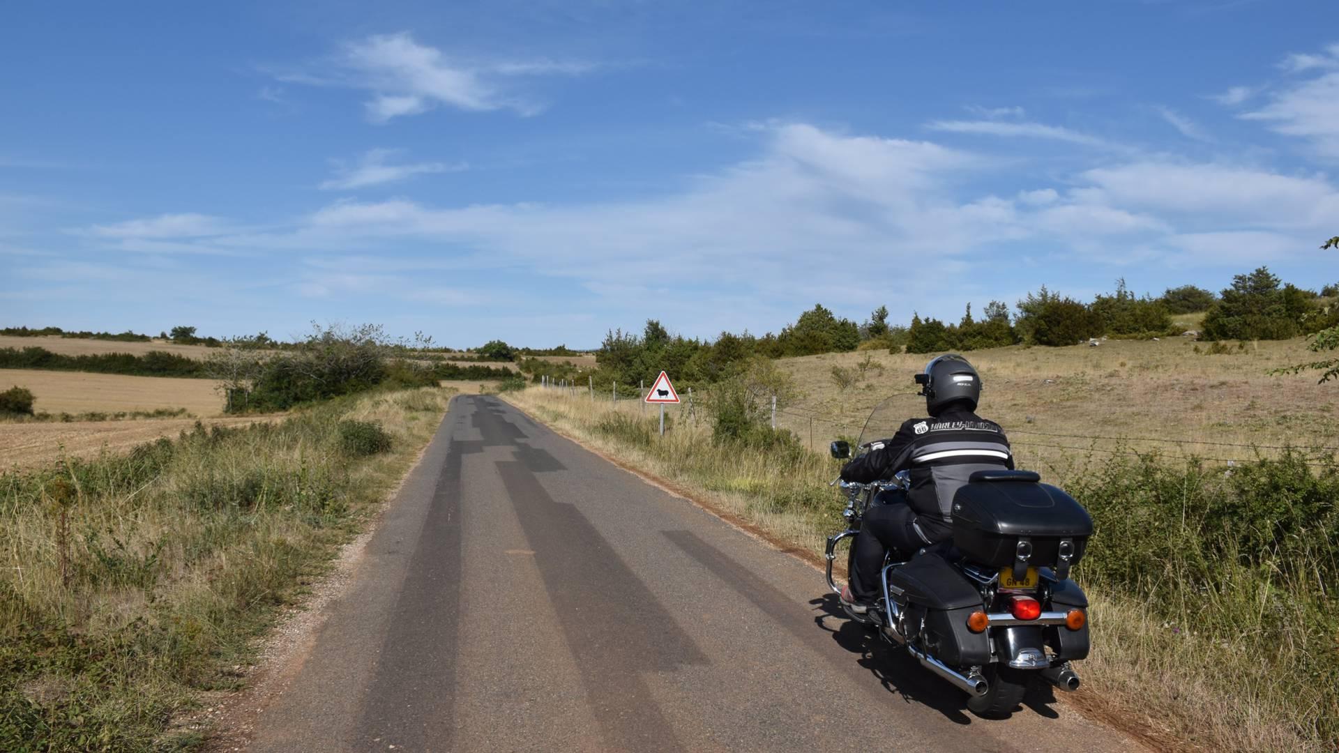 Roquefort et Larzac à moto