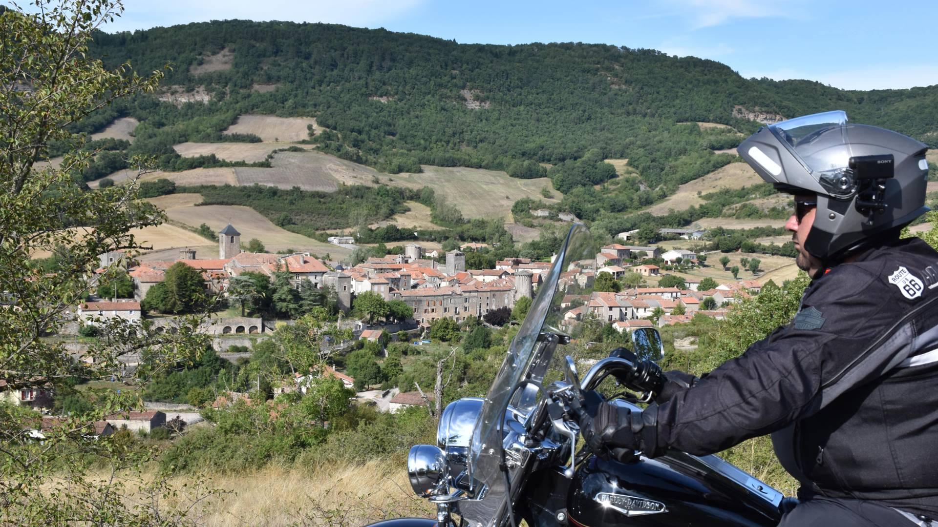 Le Larzac à moto