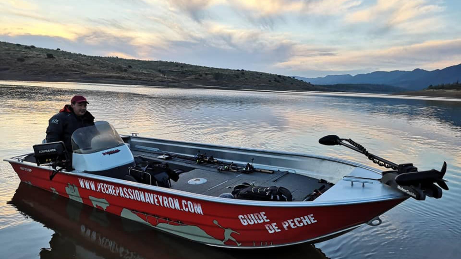 Partie de pêche en bateau autour de Millau©Scarnafishing