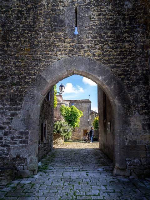 Le Pourtal du Fort de Saint Jean d'Alcas - Circuit Templier Hospitalier du Larzac - Aveyron