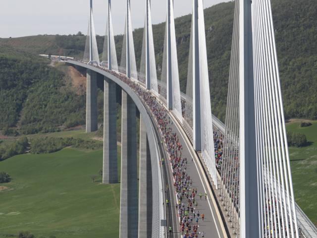Séjours Course Eiffage du Viaduc de Millau en Aveyron