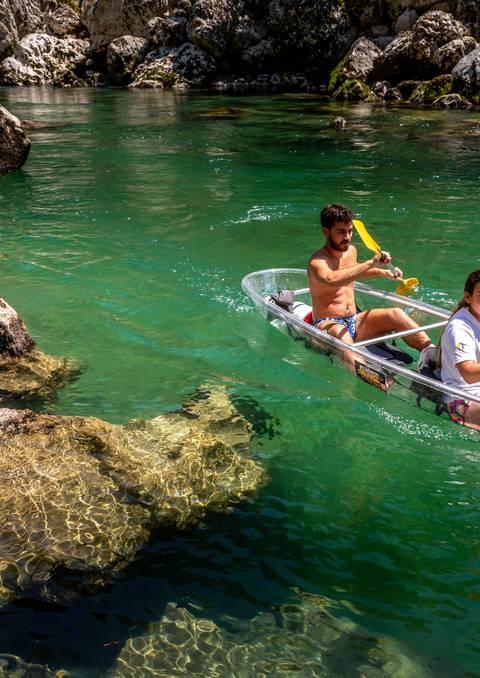 Chasse aux trésors en canoë transparent dans les Gorges du Tarn