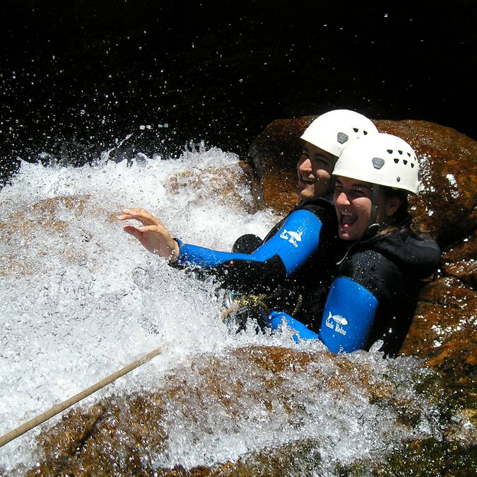 A tester entre amis : le canyoning