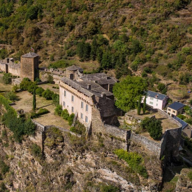Brousse-le-château : Plus beaux village de France en Aveyron