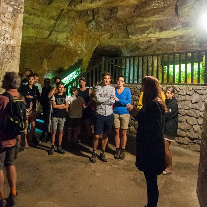 Visite guidée des caves de Roquefort