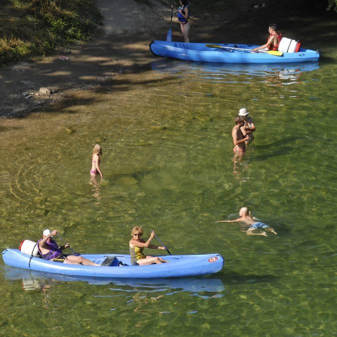 Descendre la rivière en canoë