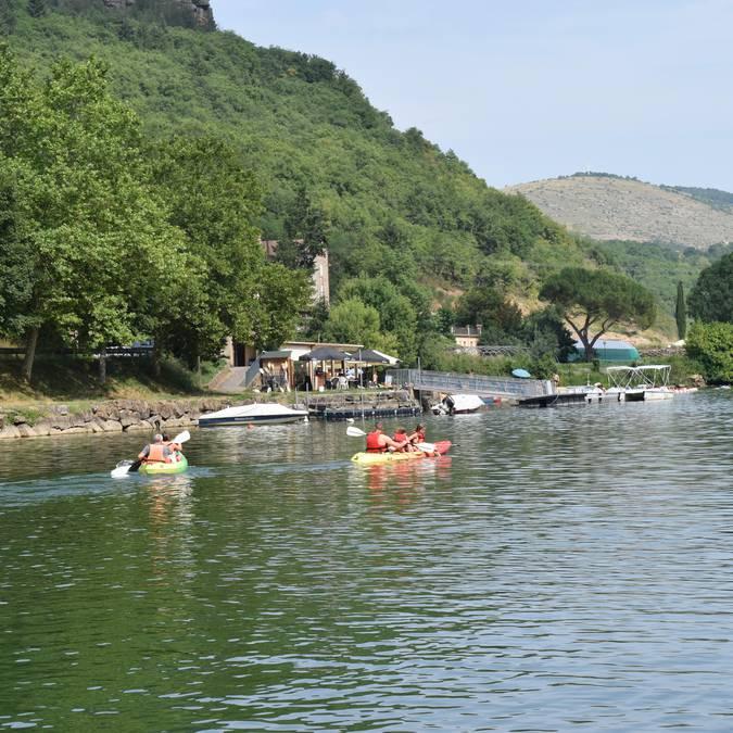 Plage du Viala du Tarn - location canoe, pédalos, petits bateaux